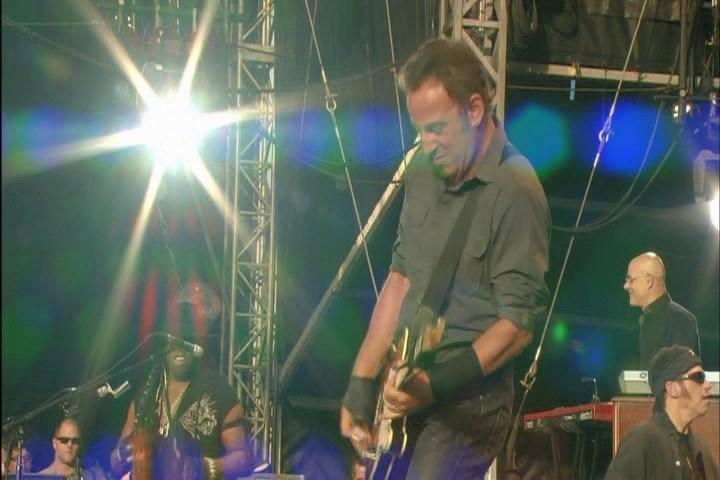 Bruce Springsteen Lyrics: LONDON CALLING [Live 28 Jun 2009 version]