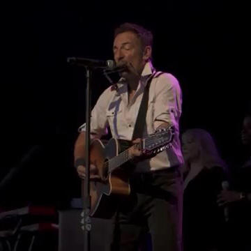 Bruce Springsteen performing JOE HILL on 01 May 2014 at Midflorida Credit Union Amphitheatre in Tampa, FL, during the High Hopes Tour